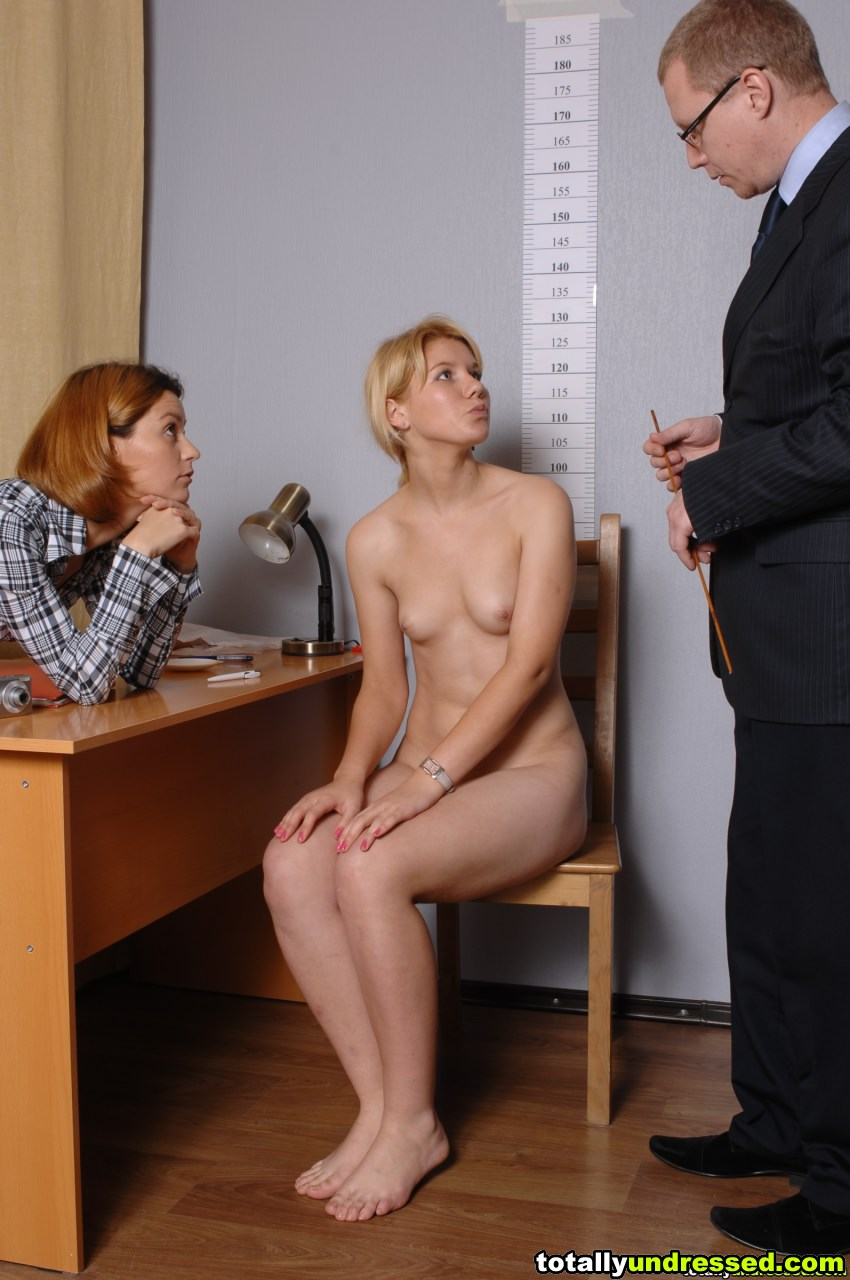 What do these humble undressed women feel while getting gyno examined ...